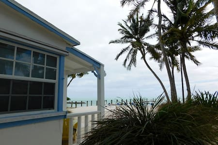 Cozy Oceanfront Cottage - Islamorada - Hotel boutique