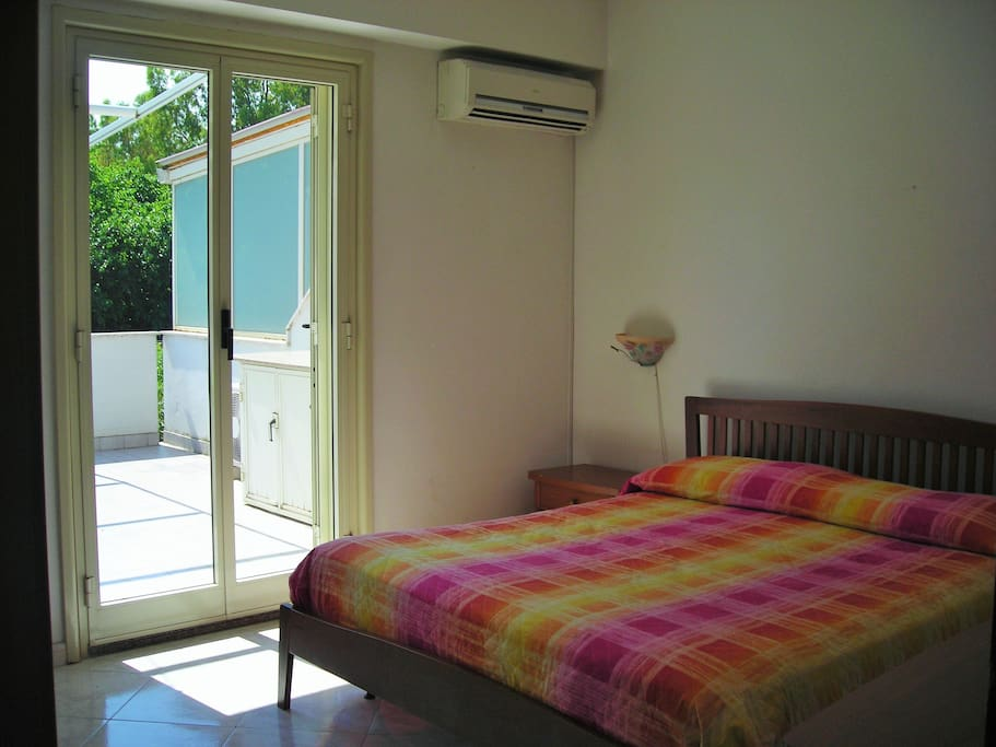 Air-conditioned double bedroom