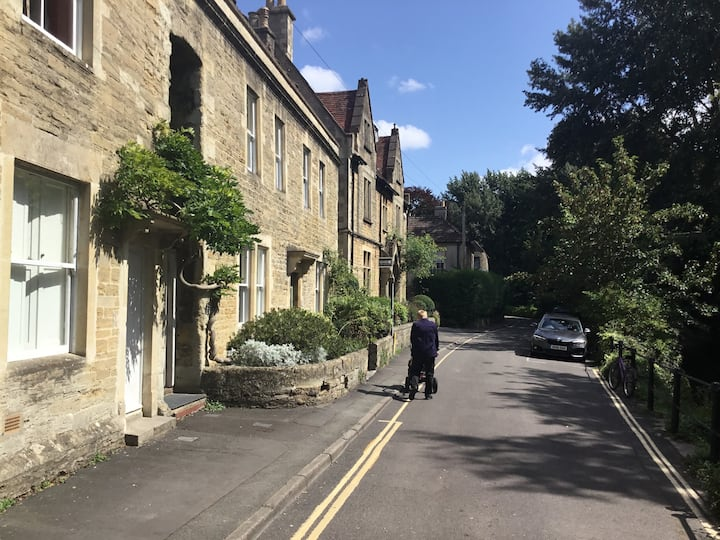 Frome Centrally located town house.