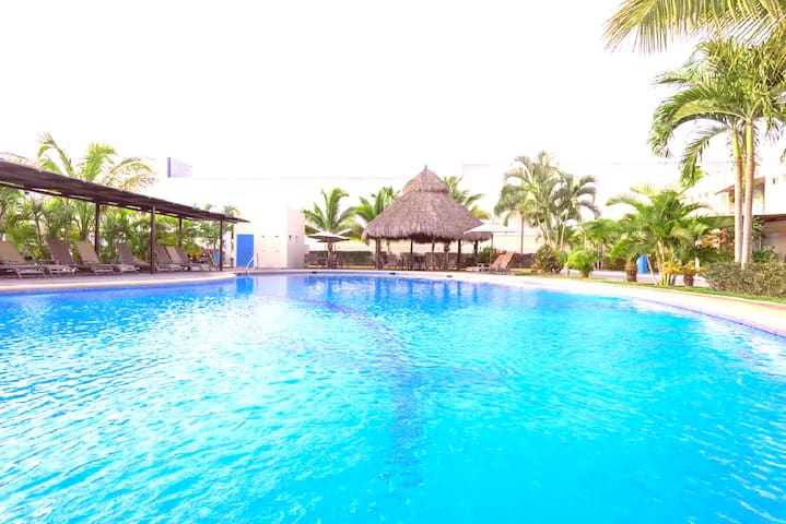 ❤Family 3BR HOUSE❤BEST Location❤close BEACH❤POOLS❤