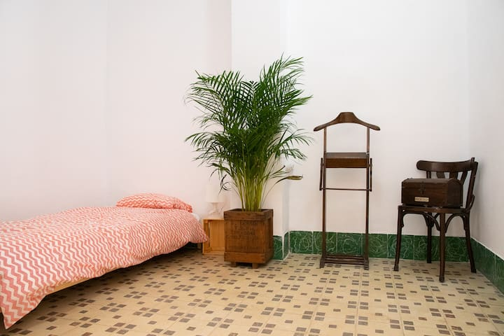 Preciosa habitación en Ruzafa para 1, casa de 1910