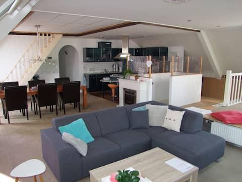 Comf. vrij appt. 3 slaapkamers voor 6 pers. 180 m2