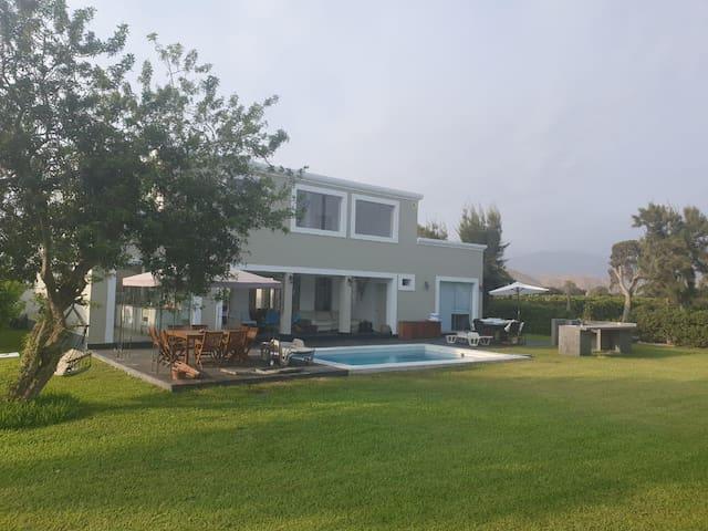 Casa de playa y campo en Asia (Playa Rancho Sur)