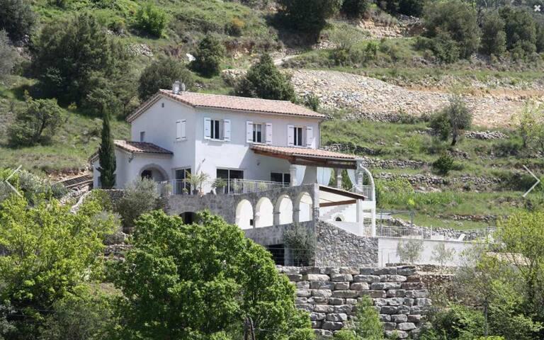 Villa Sud-Ardèche climatisée avec piscine chauffée