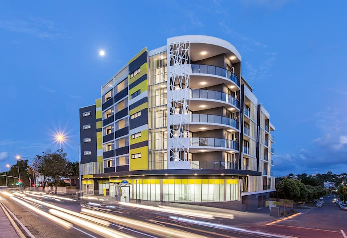 Brand New Modern Apartment in Lutwyche (L3 - Lutwyche - Daire