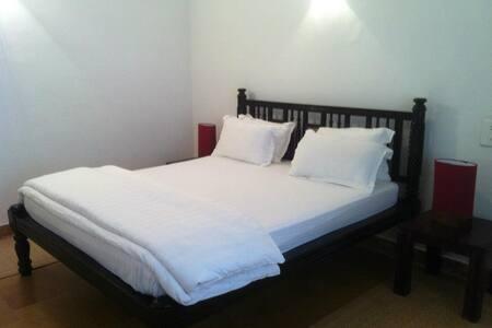Chic room Shanti in tranquil Goa - Varca