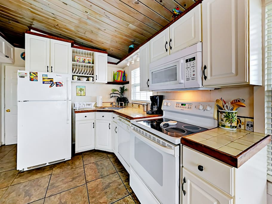 Whip up tasty dishes in the well-equipped kitchen with a full suite of appliances.