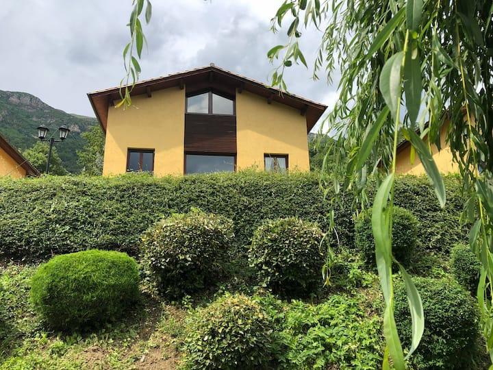 Casa de Montaña en Ogassa