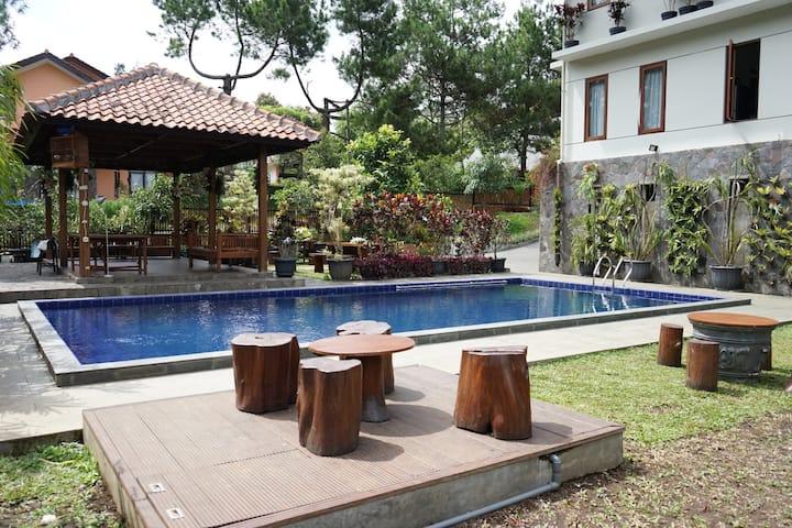 6 BR Villa Lembang 2 + Private Swimming Pool