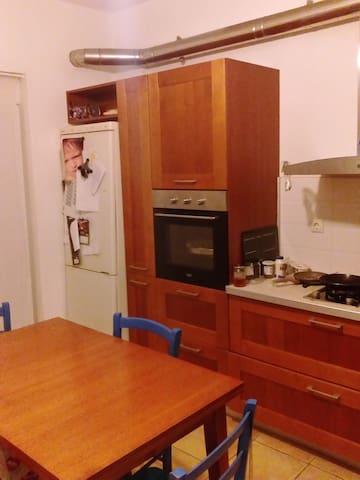 επιπλωμένο δωμάτιο κοντά στο κέντρο - Preveza - Hus