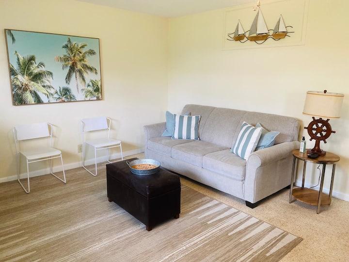 Welcome to Deerfield Beach! Delightful Apartment