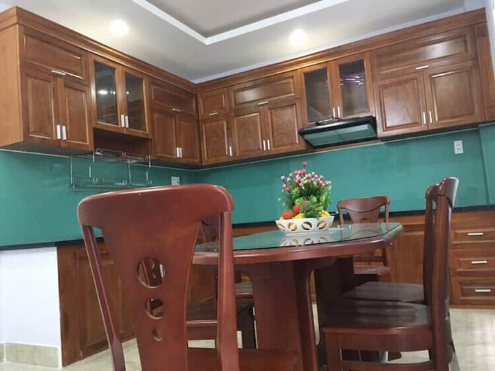 House for rent:1living room,1dining room,3bedrooms