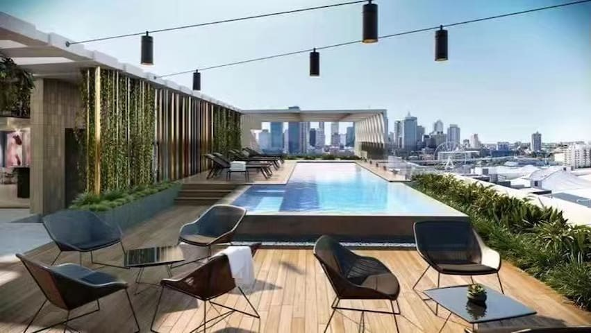 Designer's Luxury and Quite Place at Southbank