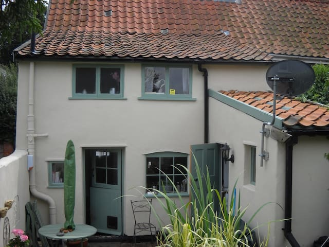 Really delightful village cottage - Wickham Market - Huis