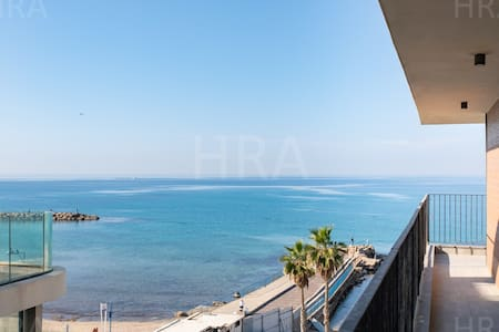 Modern Style 2B Apartment 10 meter from the beach