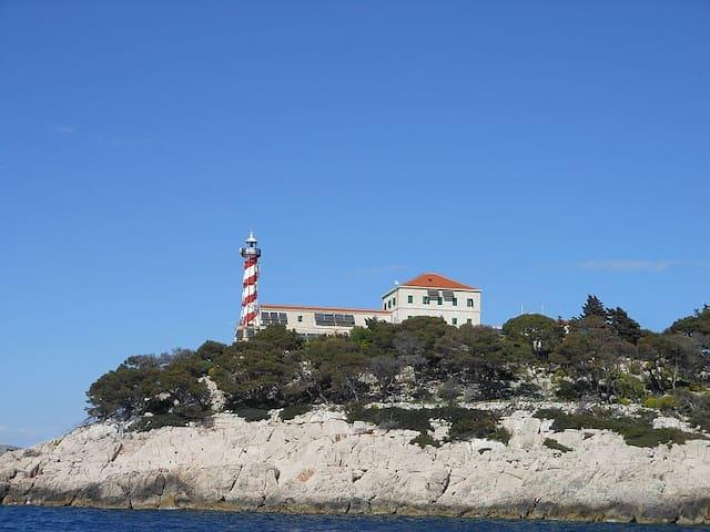 Robinson Lighthouse Tajer