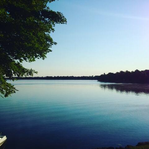 Family Fun on Mississippi Lake - Perth - Casa de campo