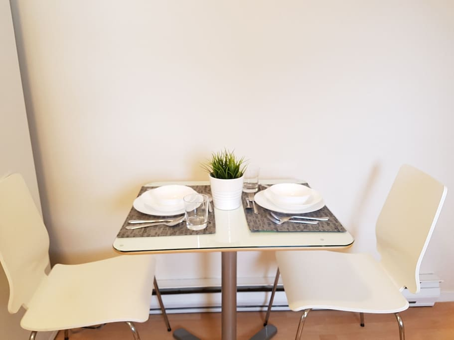 The cute dinning table for two.