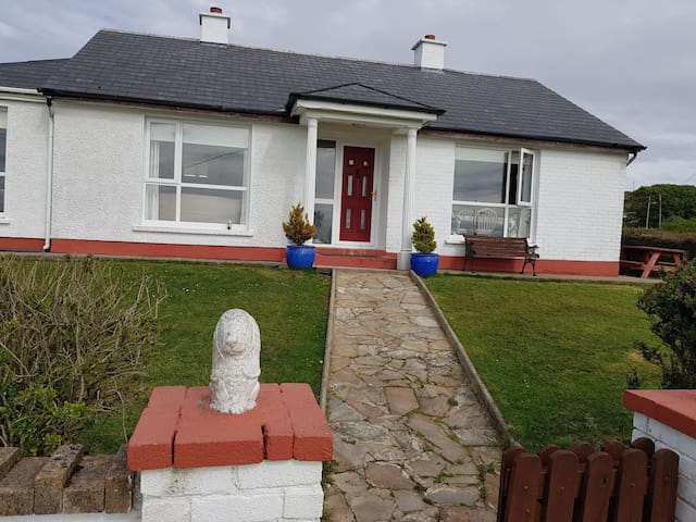Donegal Retreat with B&B