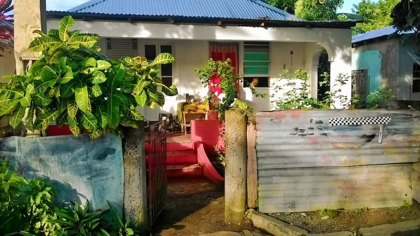 Buff Bay Portland Bamboo Guesthouse