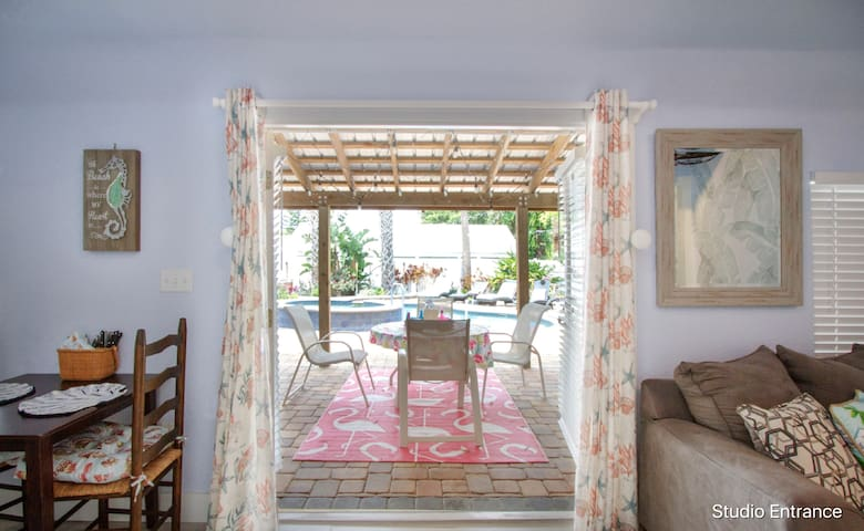 Chic Pool Apartment- Walk to Flagler Ave & Beach