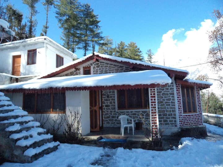 Dream Mountain Deluxe Rooms(Room-2), Joshimath