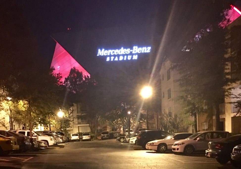 Mercedes benz stadium suite 1 w free parking for Mercedes benz stadium parking
