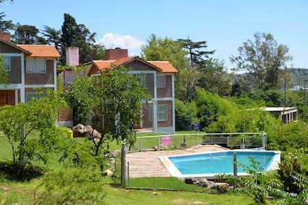 C&W Vacaciones Diferentes - Villa Carlos Paz - Blockhütte