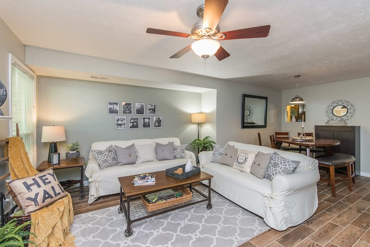 Beautiful Woodward Heights Townhouse!