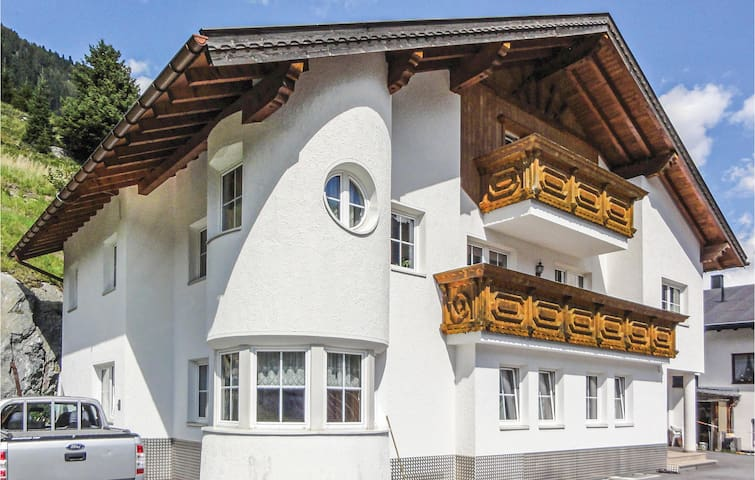 Holiday apartment with 1 bedroom on 38m² in Ischgl