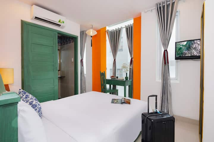 SUNNY DOUBLE ROOM IN THE HEART OF NHA TRANG