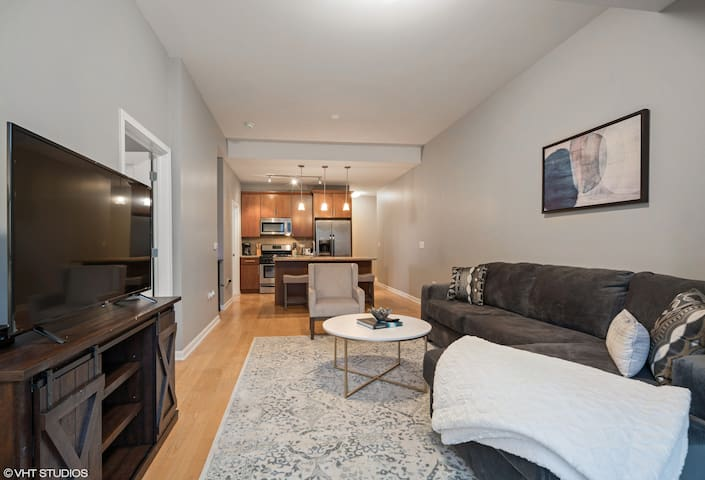 New! South Loop 2BR Apartment near McCormick