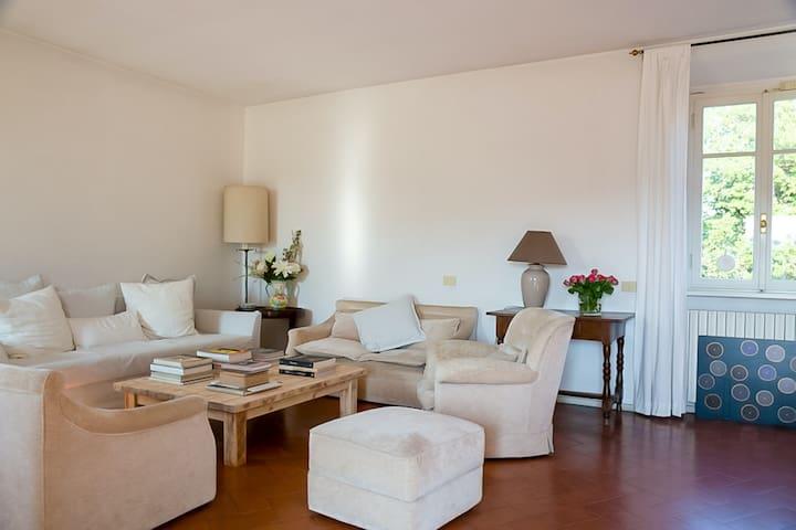 New listing! Dog-friendly Tuscan farmhouse w/ a furnished patio & enclosed yard
