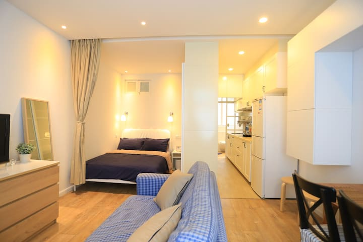 [Tianzifang Suite]French Concession low month rate