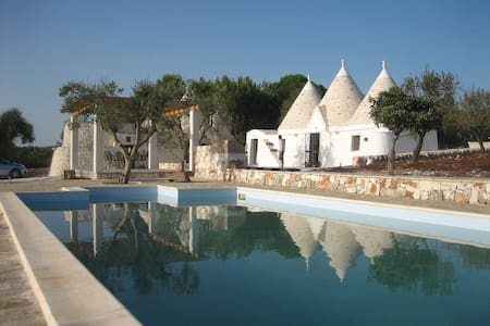 Private trulli with pool in pretty rural setting - Province of Brindisi