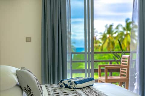 Grand Ocean View with Balcony