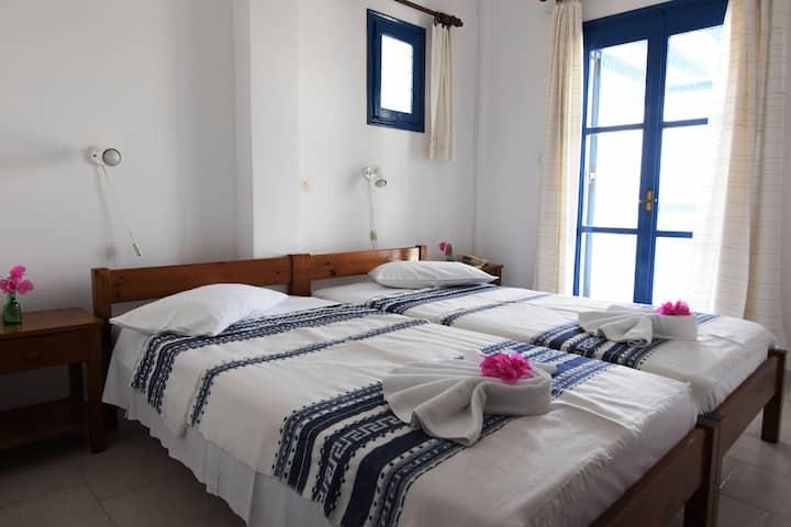'Thalassitis' coastal apartment 6