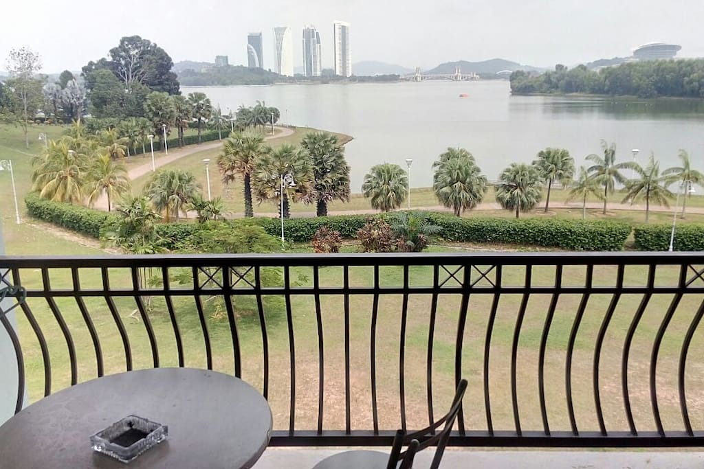 Spectacular view of the lakeside with jogging tracks
