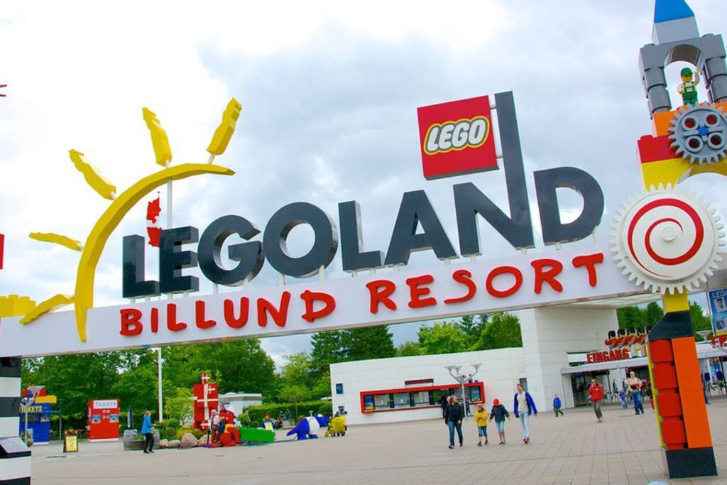 35 km to Legoland