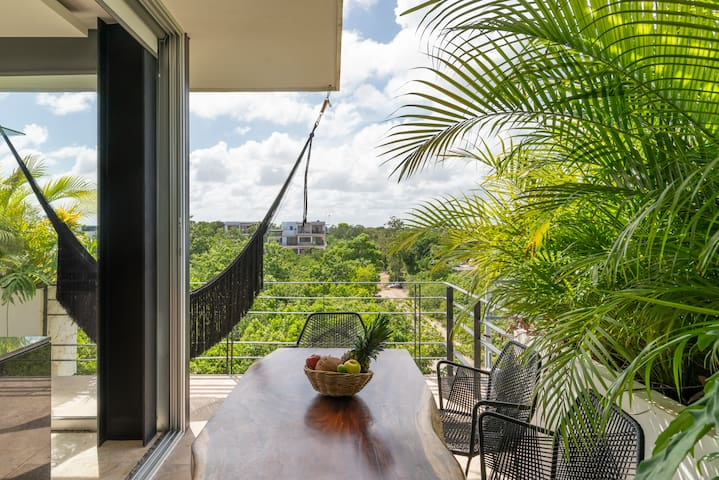 Amazing jungle view Penthouse Studio with hot tub
