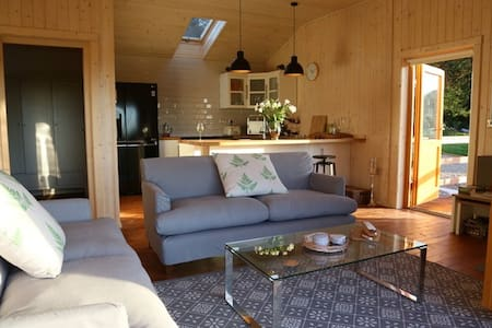 The Orchard Hadleigh 3 bedroom Luxury Log  Cabin