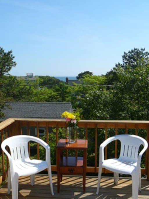 peek-a-view of Nantucket Sounds from roofdeck
