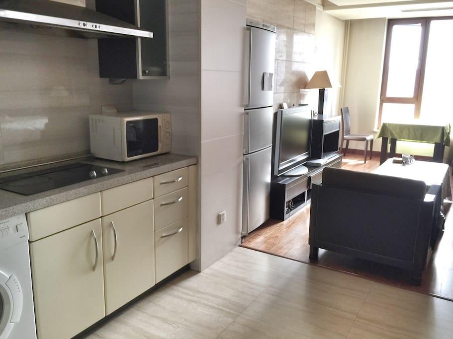 Kitchen& Living Room 厨房➕客厅