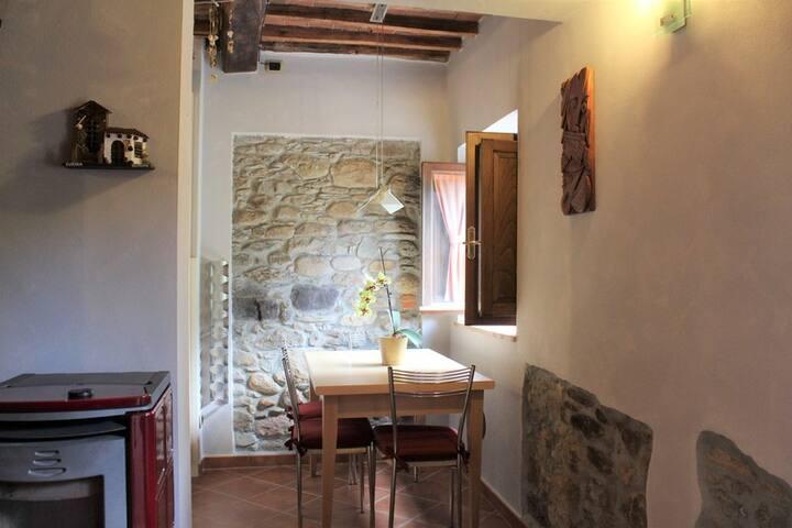 Casa per 4 con giardino sulle colline Lucchesi