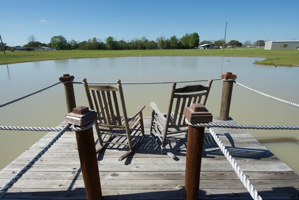 Sit on the dock and enjoy the great outdoors! A delightful place to see the new morning or watch the evening fading.