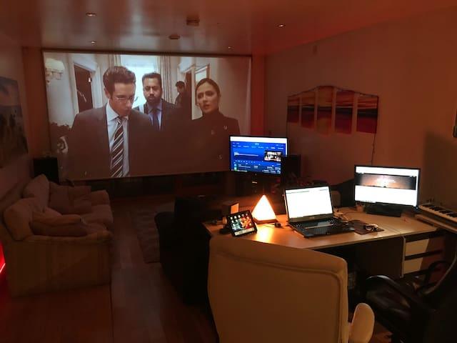 Beacon Sandyford Smart Home - Beside M50/LUAS/BUS