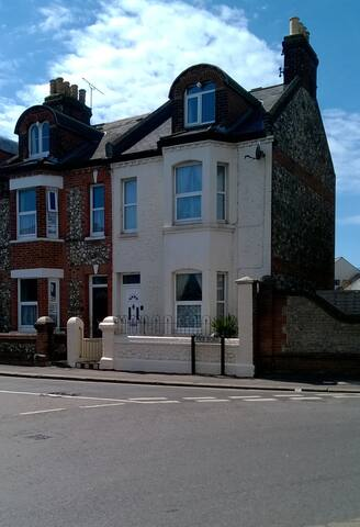Three Storey Victorian Town House - Littlehampton - Dom