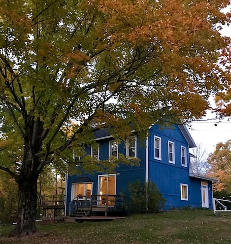 Charming Catskills Farmhouse Near Hunter Mountain - Tannersville - Huis