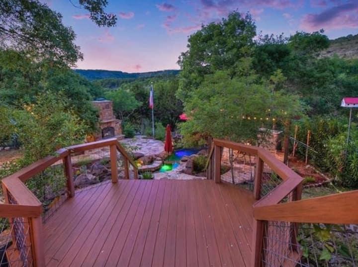 Beautiful Farmhouse - Amazing Views on  9 Acres!