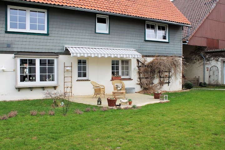 Comfortable apartment on the first floor in the southern Harz at a horse riding centre.